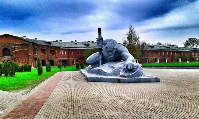Мемориал «Брестская крепость-герой» А.П. Кибальников «Жажда» 1965 г.