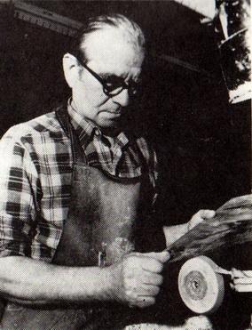 Николай Тихонов, художник-гравёр по стеклу