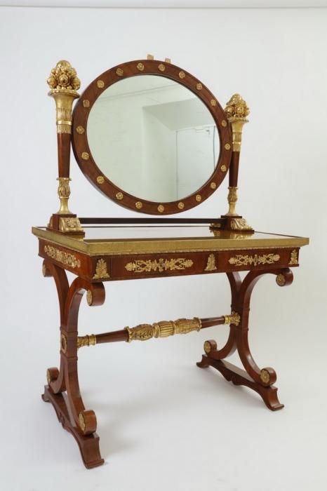Туалетный стол с зеркалом псише. Россия. 1820–1830-е.
