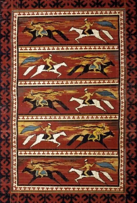 Ш. Мамбетаипова Панно «Кыз Кумай».1979 г. Чий, шерсть. 250x150 см