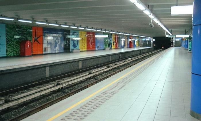 Станция метро в Брюсселе. (Фотография взята из открытого источника в Интернете).