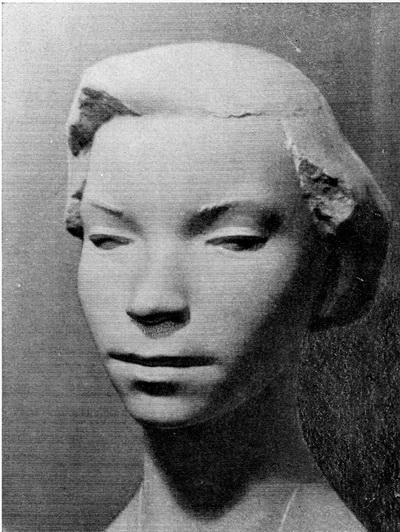 Геннадий Ланкинен. Портрет балерины. Гипс тонированный. 1961 г.