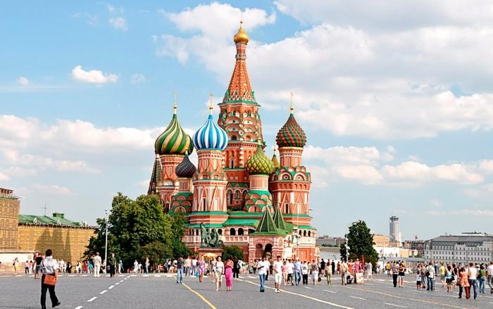 Храм Василия Блаженного на Красной площади в Москве (Собо́р Покрова́ Пресвято́й Богоро́дицы, что на Рву)