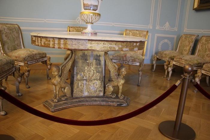 Мебель по проекту Росси в Тверском путевом дворце