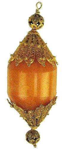 Элемент янтарного персидского украшения. 200 год до н.э.