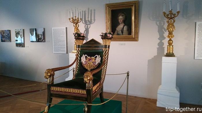 Кресло-жардиньерка, по рисунку Воронихина 1806 год. Павловск, Ленинградская область.