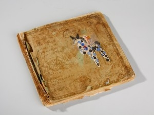 Один из альбомов о вятской игрушке, изданных А. Деньшиным «ручным способом»